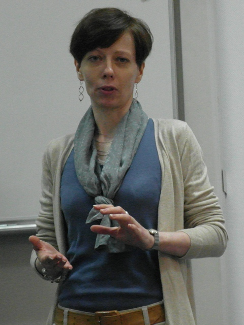 Sylwia Rudnik as Body Language Evaluator