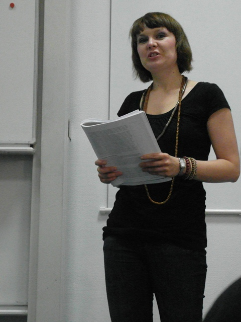 Iwona Ksiądzyna giving evaluation